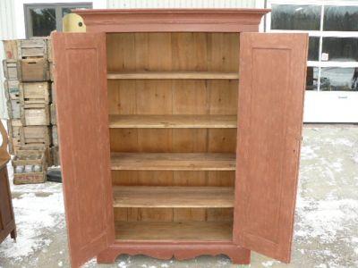 Armoire antique en pin, portes à panneaux soulevés 2