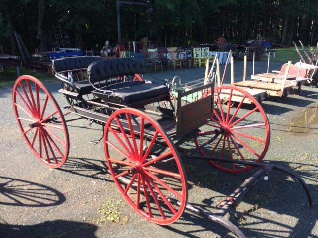 Calèche, carriole, voiture double à chevaux 1