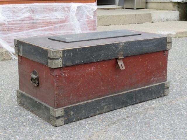 Ancien coffre d'outils 8