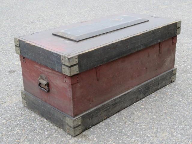 Ancien coffre d'outils 3