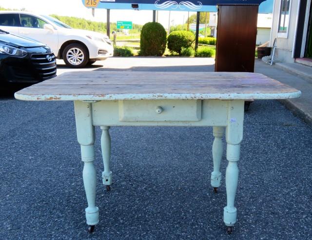 Table rustique avec tiroir 3