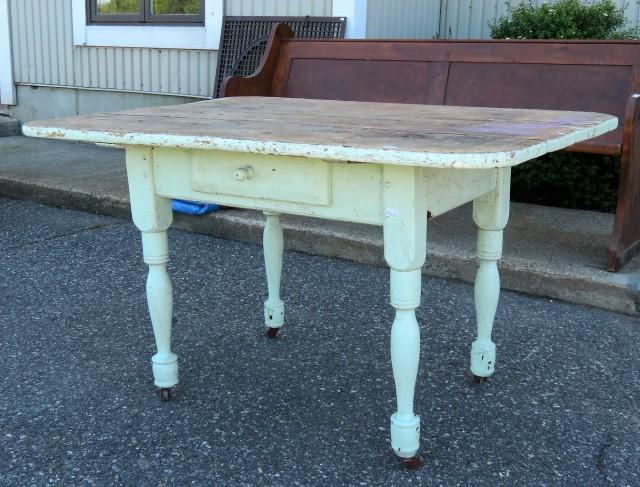 Table rustique avec tiroir 1