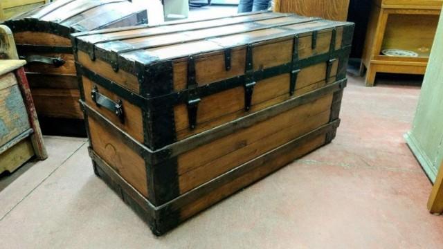 Ancienne valise malle de voyage - Renovation malle ancienne ...