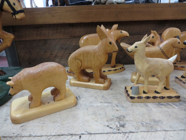 Lot de sculptures en bois signées Clément fournier 5
