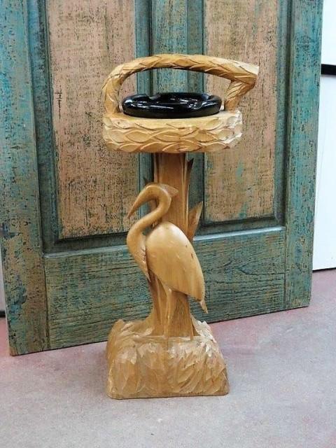 Cendrier sculpté en bois 1