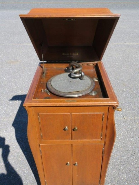 Meuble gramophone 3
