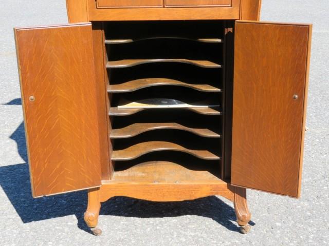 Meuble gramophone 5