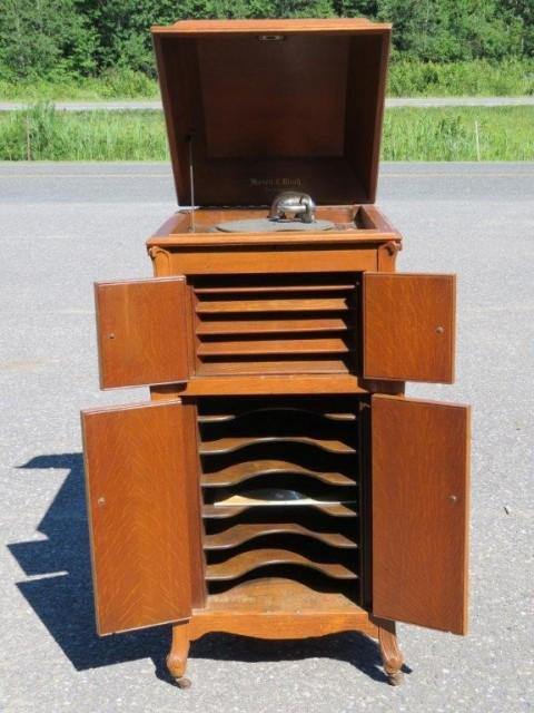 Meuble gramophone 2
