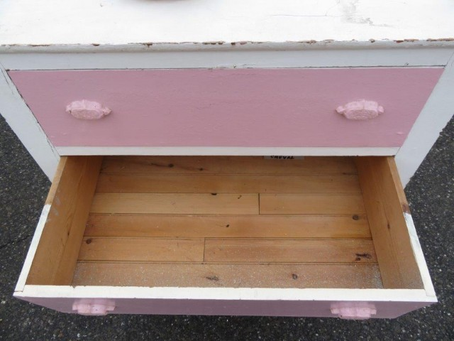 Commode à tiroirs, bureau avec poignées en fonte 3