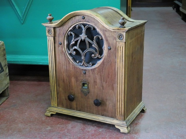 Ancien radio Sparton 2