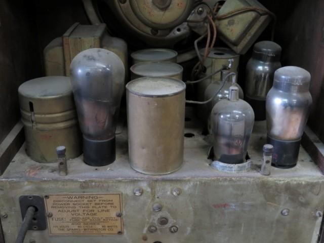 Ancien radio Sparton 3