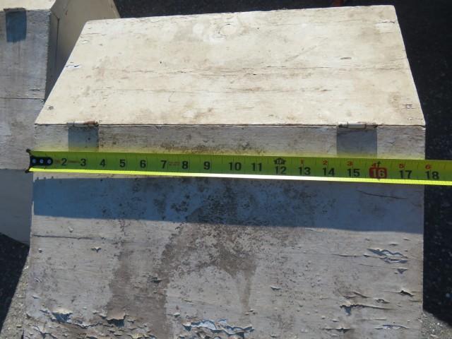 Anciennes boîtes à bois 4