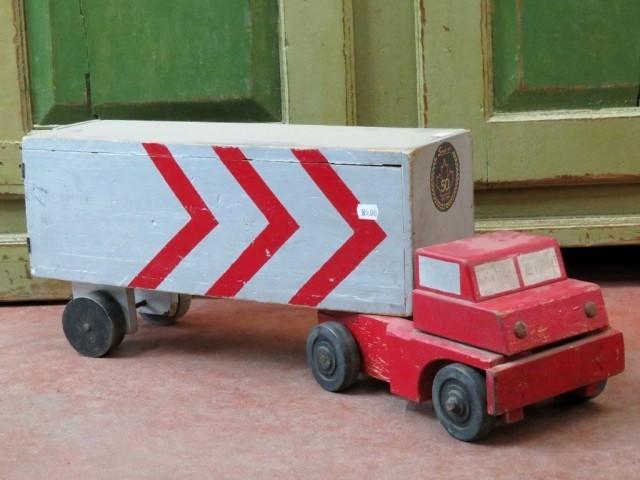 Ancien jouet, camion en bois 5