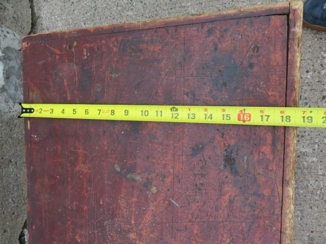 Coffre en pin, clous carrés 6