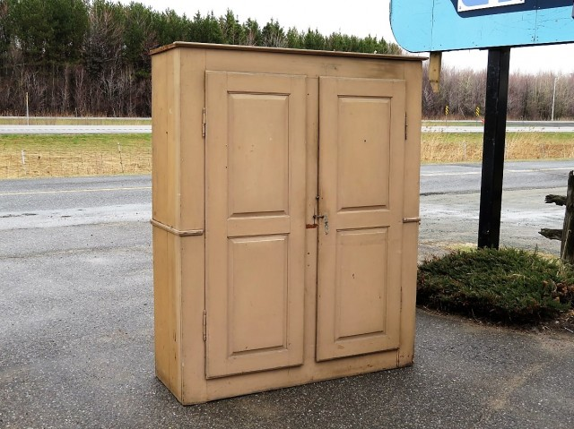 Very old pine cupboard, armoire 1