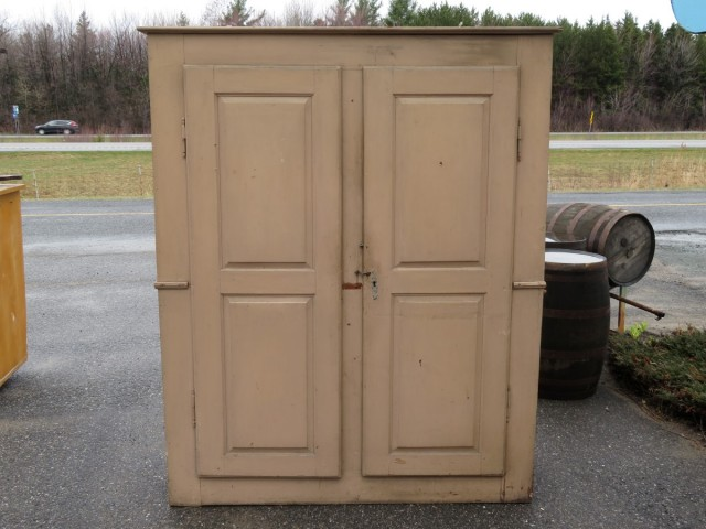 Very old pine cupboard, armoire 7
