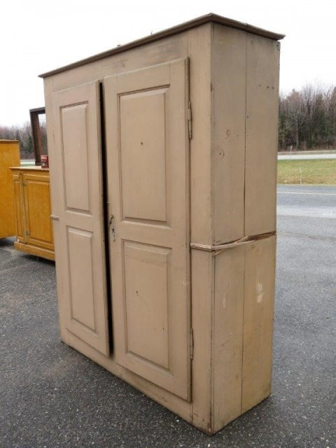 Very old pine cupboard, armoire 9