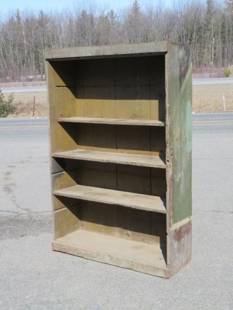 Armoire bibliothèque, clous carrés 1