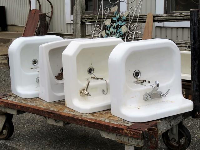 Lavabos, éviers en fonte et porcelaine 1