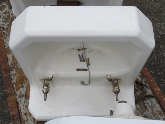 Lavabos, éviers en fonte et porcelaine 3