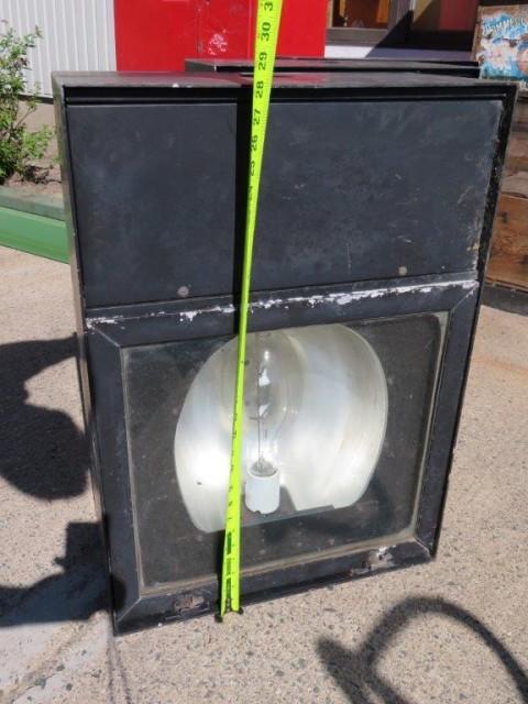 Lanternes, fanaux, lumières, projecteurs 4