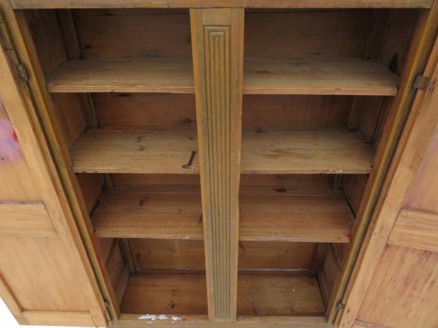 Armoire 8 panneaux soulevés, clous forgés 5
