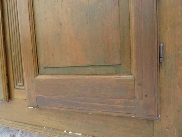 Armoire 8 panneaux soulevés, clous forgés 9