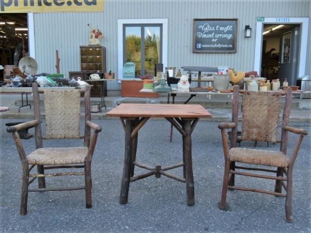 Chaises et table rustiques 1