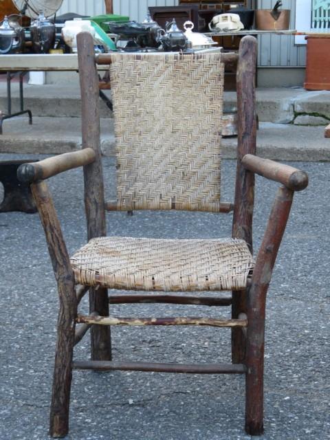 Chaises et table rustiques 3