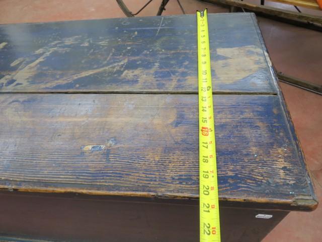 Coffre assemblé à poteaux et clous carrés 8