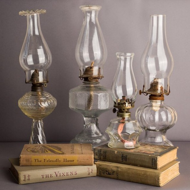 How to properly clean an oil lamp