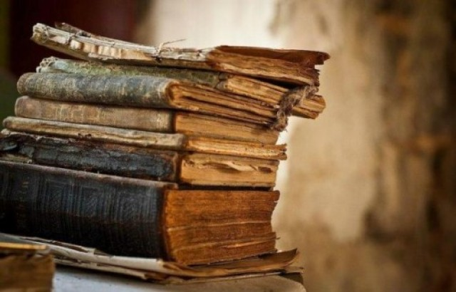 5 Ways To Get The Musty Smell Out Of Books