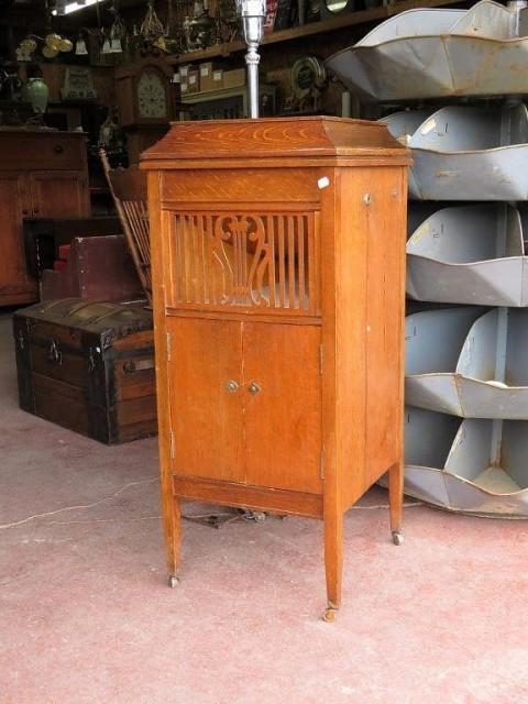 Gramophone  1