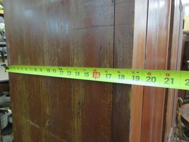 Grande armoire en pin, panneaux creux 7