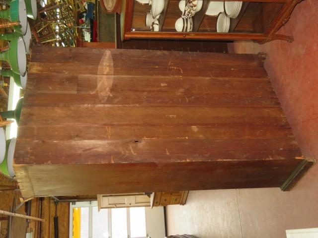 Grande armoire en pin, panneaux creux 8
