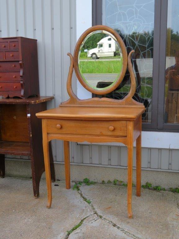 nouvel arrivage de meubles antiques et vintage antiquit michel prince. Black Bedroom Furniture Sets. Home Design Ideas