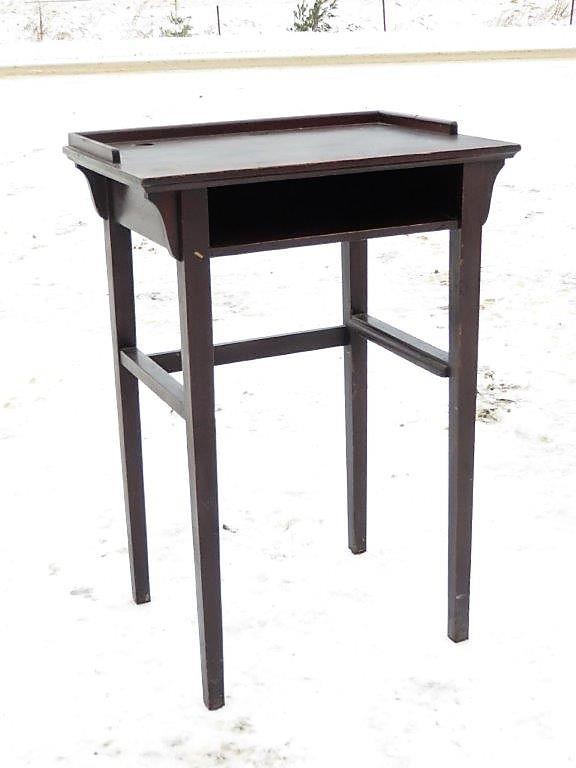 petite table t l phone table de chevet. Black Bedroom Furniture Sets. Home Design Ideas