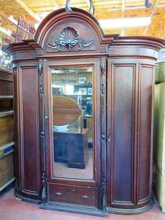 magnifique armoire garde robe en acajou penderie. Black Bedroom Furniture Sets. Home Design Ideas