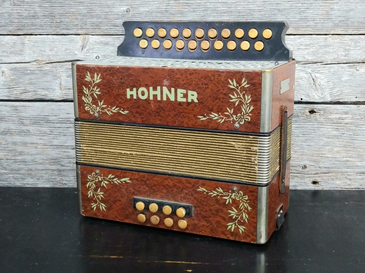 Hohner accordion 1