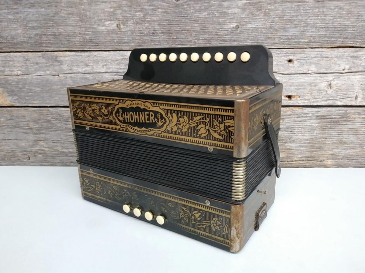 Hohner accordion 2