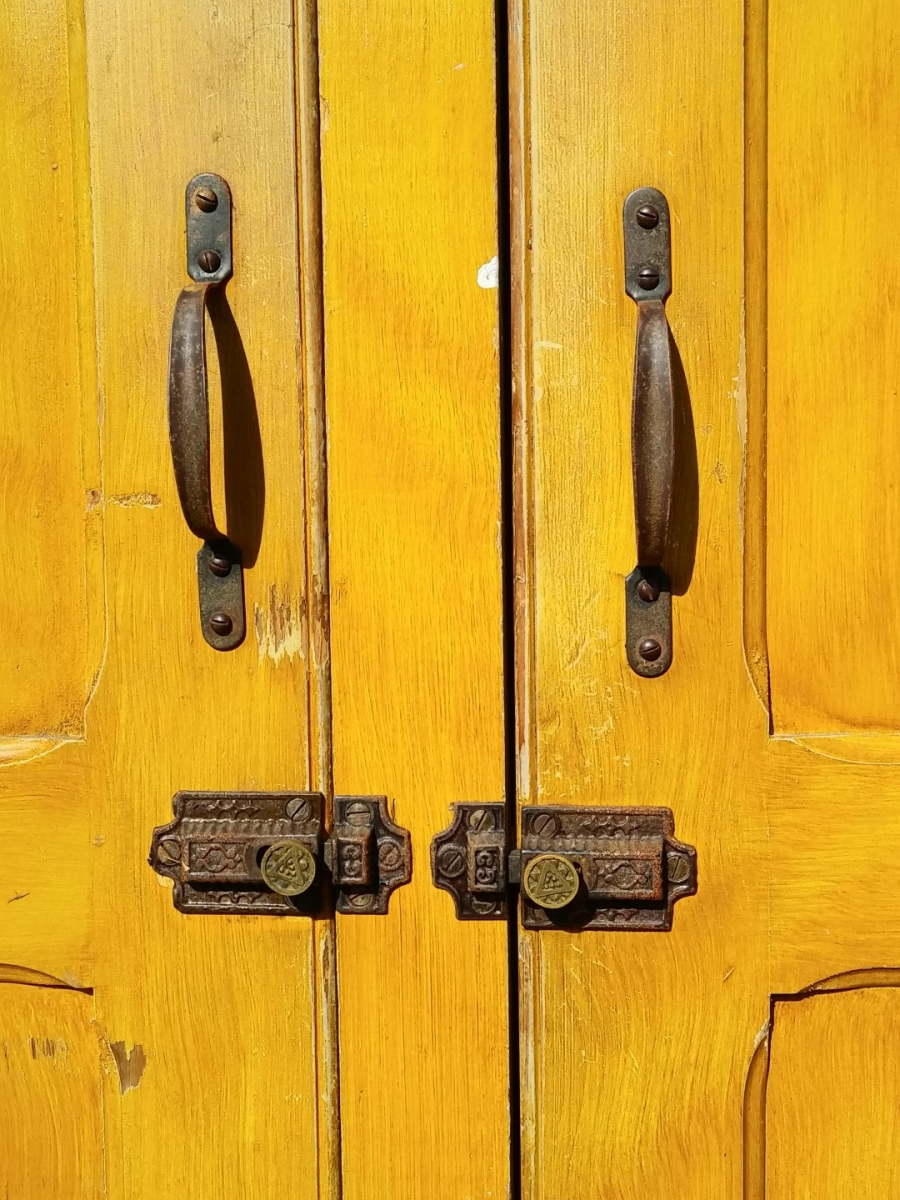 Three doors cupboard, armoire 3