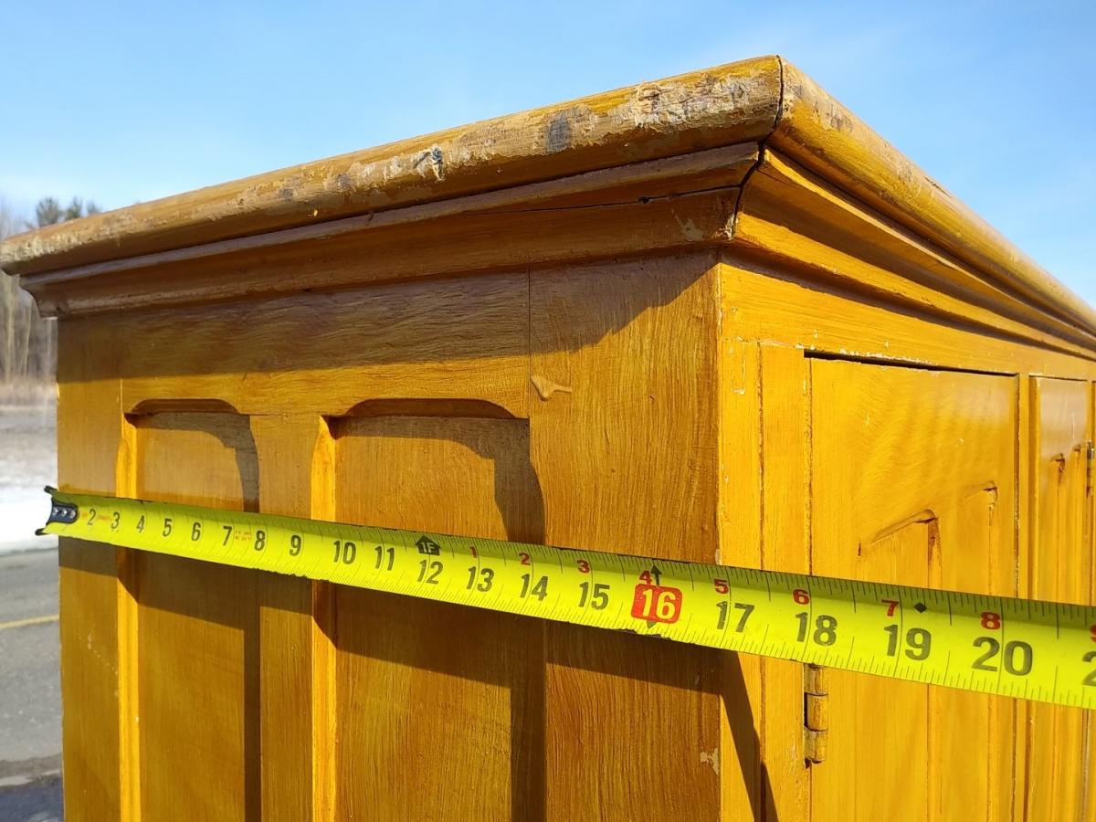 Three doors cupboard, armoire 5