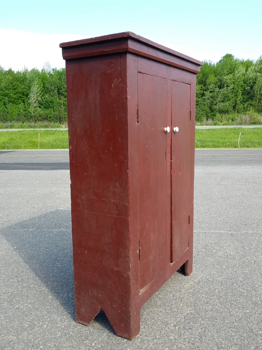 Primitive Quebec pine cupboard 11