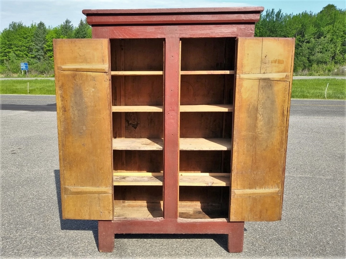 Primitive Quebec pine cupboard 3
