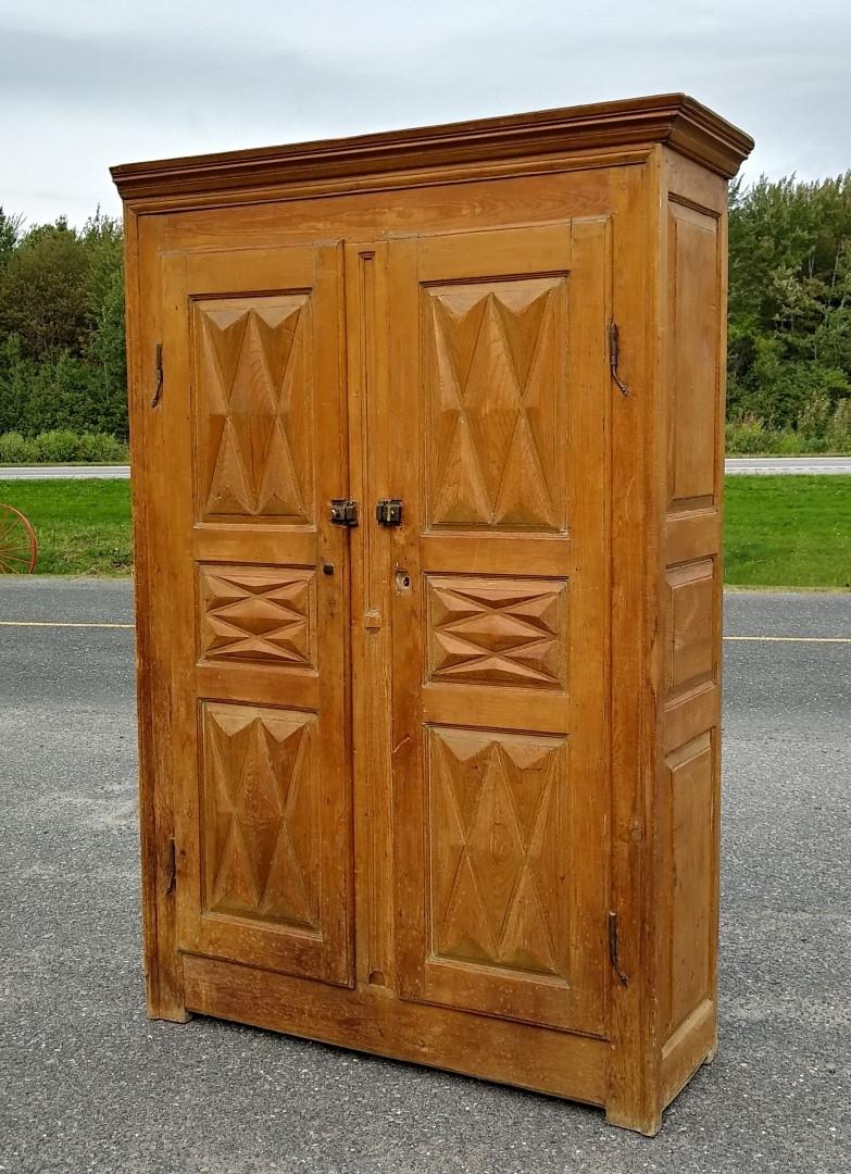 Diamond point armoire, cupboard 1