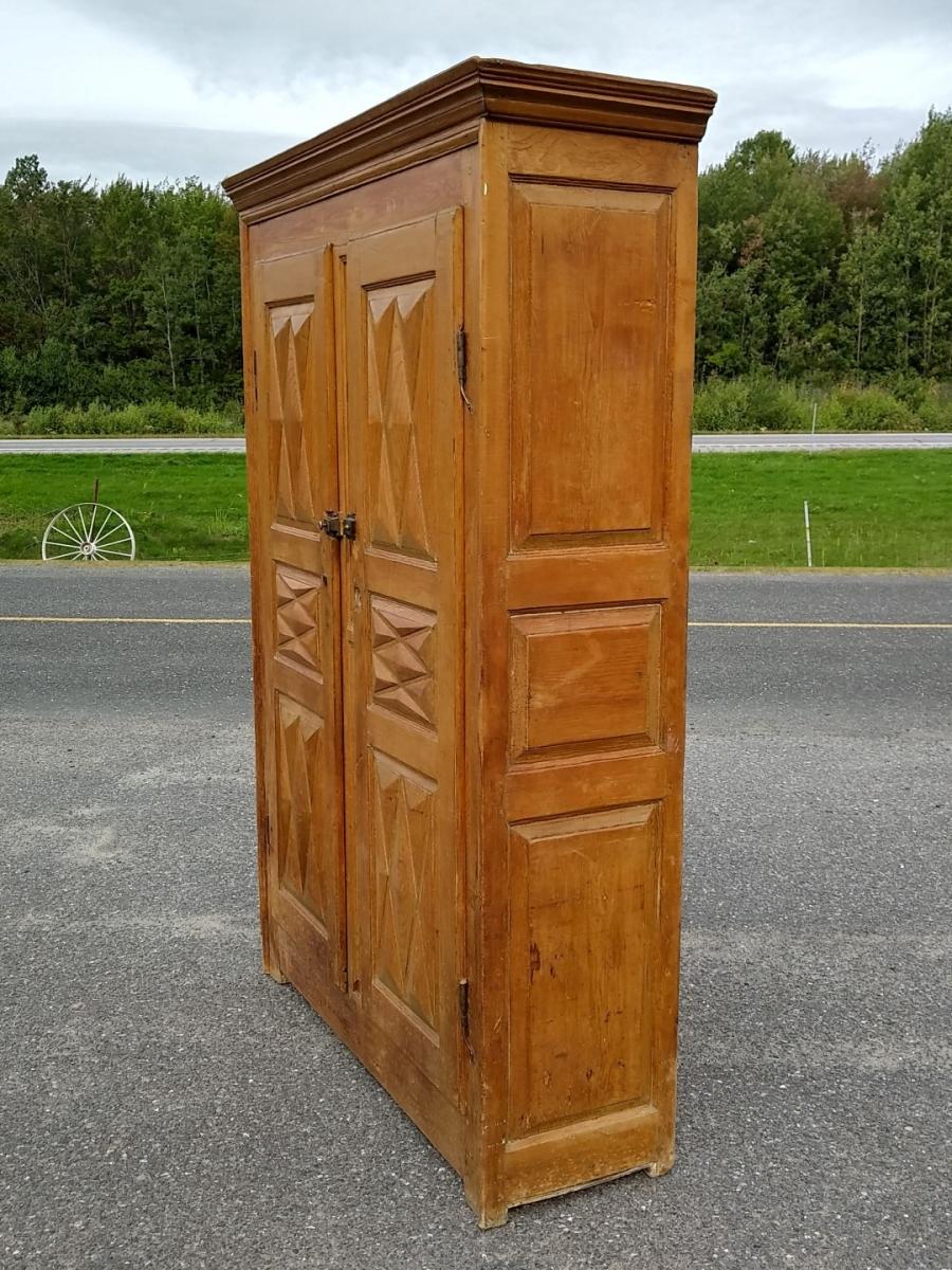 Diamond point armoire, cupboard 8
