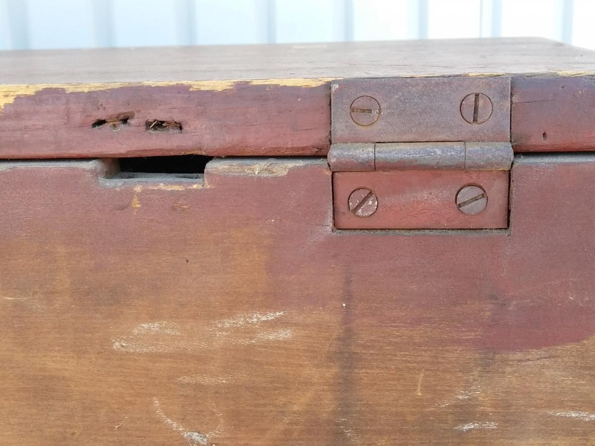 Coffre-bahut en pin, couleur d'origine, provenance Maritimes  12
