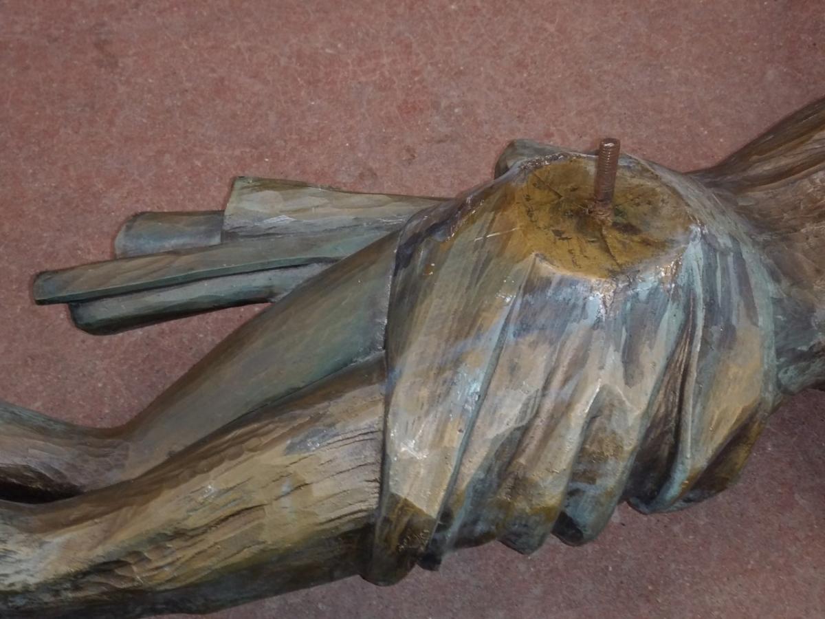 Corpus du Christ finement sculpté en bois, crucifix 11