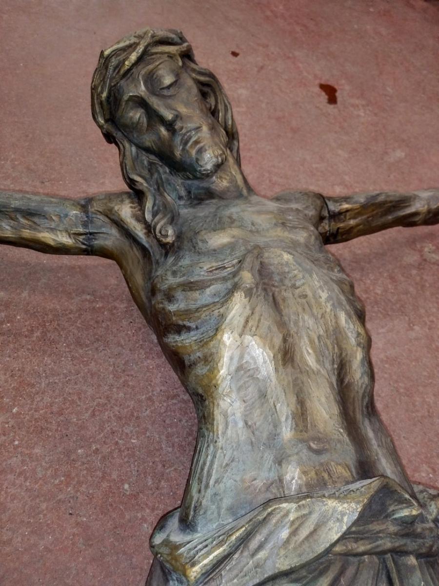 Corpus du Christ finement sculpté en bois, crucifix 2