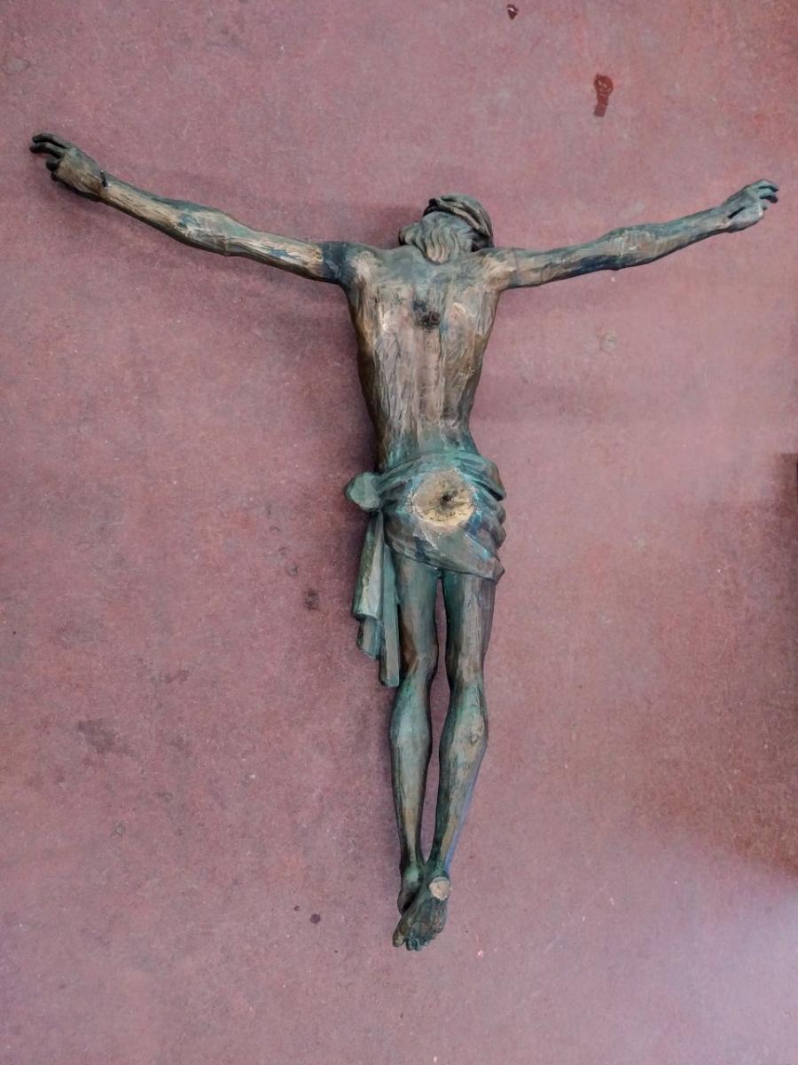 Corpus du Christ finement sculpté en bois, crucifix 10